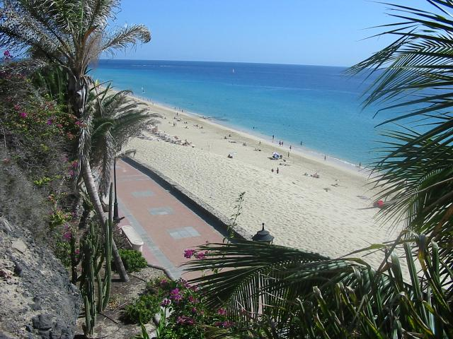 Vacation property for 2 to 3 persons, 1st. beach line with sea views, swimming pools in Jandia (Morro Jable-Fuerteventura)